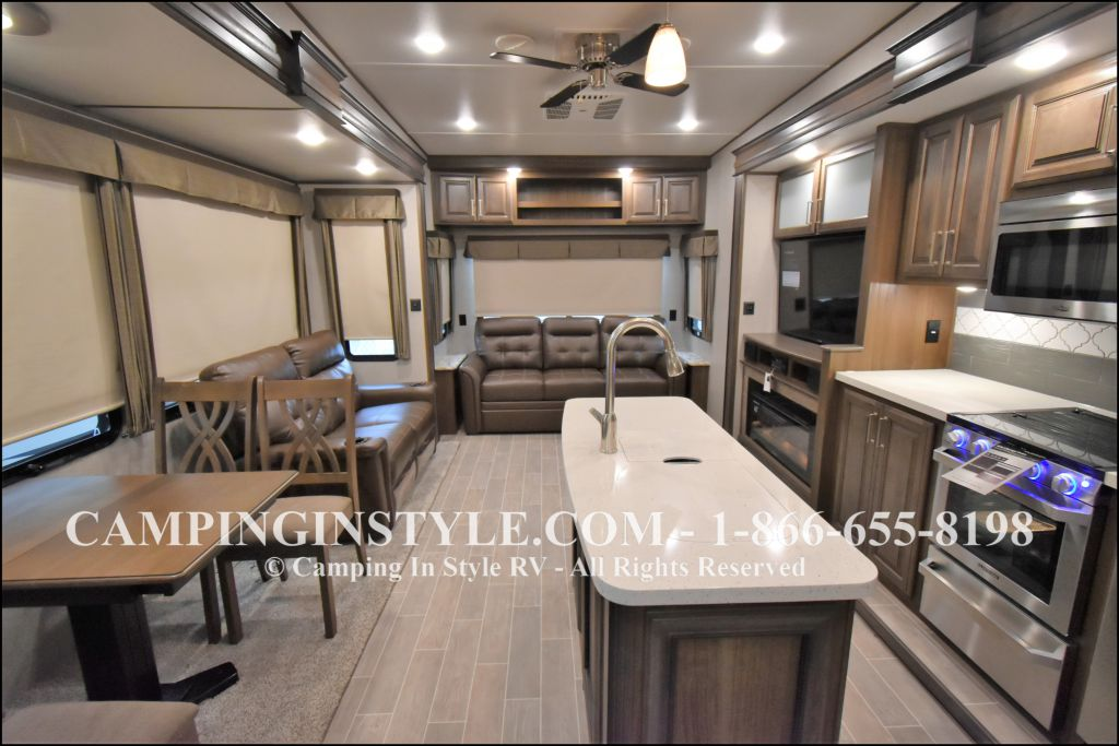 2019 KEYSTONE AVALANCHE 320RS (couples) - Image 2