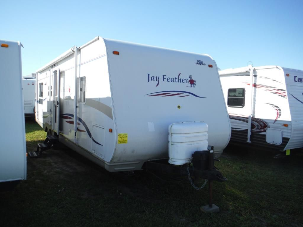 Frontal View of a 2007 JAYCO Jay Feather, 31V