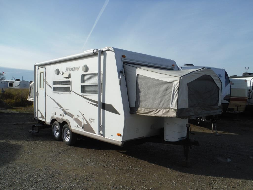 Frontal View of a 2008 ROCKWOOD ROO ,, 19