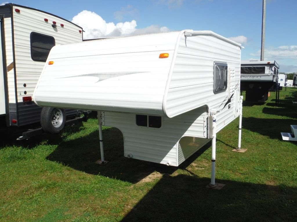 Frontal View of a 2010 TRAVEL LITE Mountain Star, 690FD