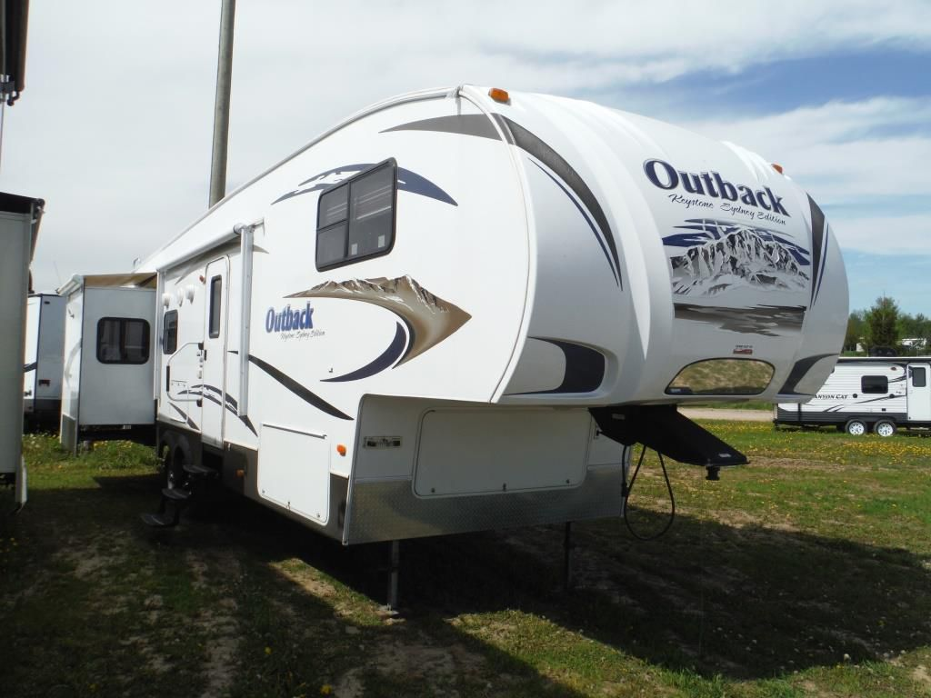 Frontal View of a 2010 KEYSTONE Outback Sydney, 321FRL