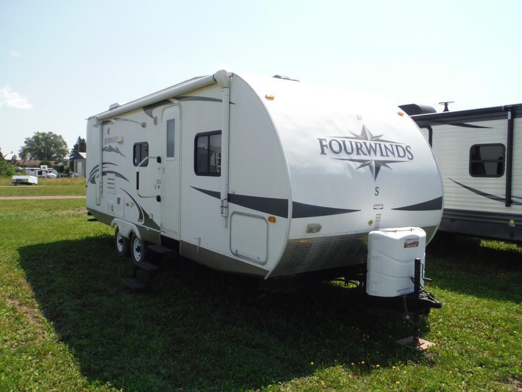 Frontal View of a 2011 DUTCHMEN FourWinds, 281RBS