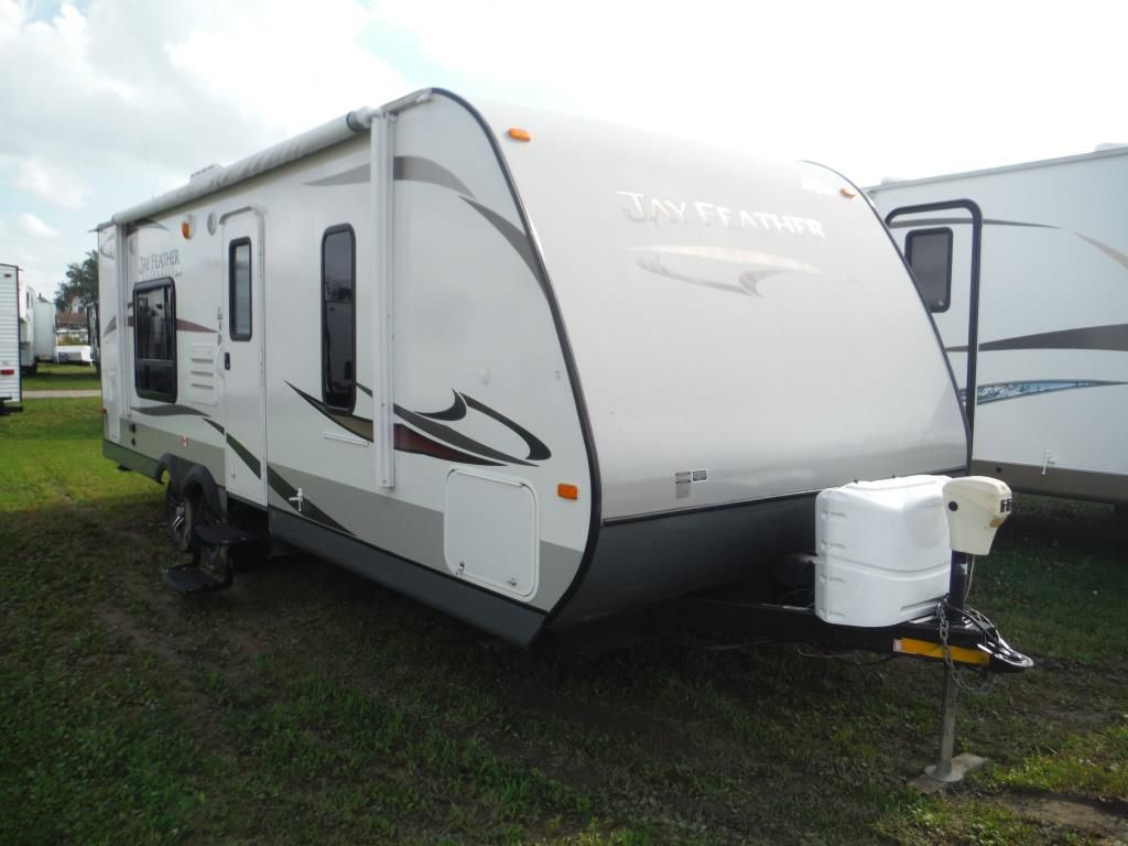 Frontal View of a 2013 JAYCO Jay Feather, 24T