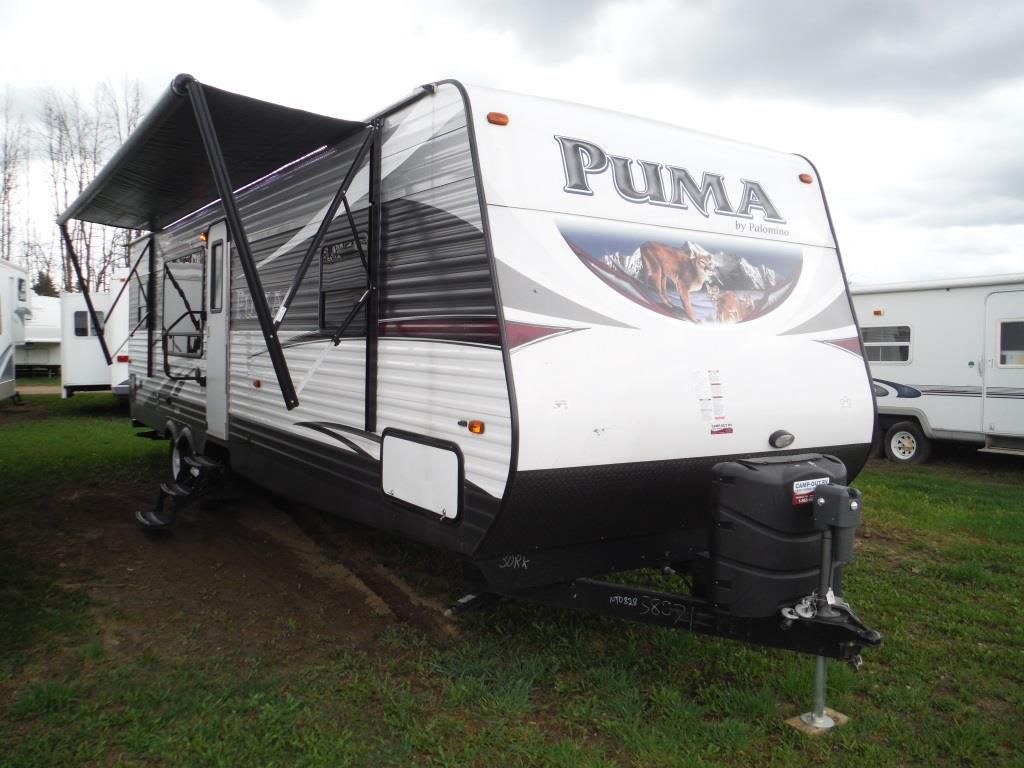 Frontal View of a 2016 PALOMINO PUMA, 30RKSS