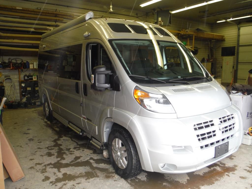 Frontal View of a 2016 ROADTREK Zion, SRT