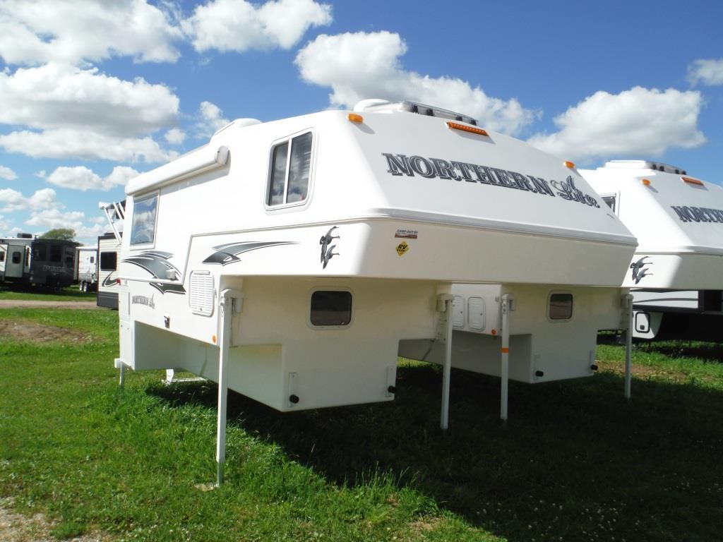 Frontal View of a 2017 NORTHERN LITE Northern Lite, 10'2 EX RR Dry Bath