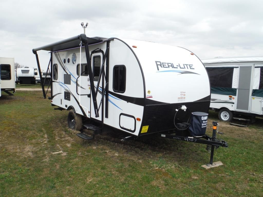 Frontal View of a 2017 PALOMINO Real Lite, 17BS