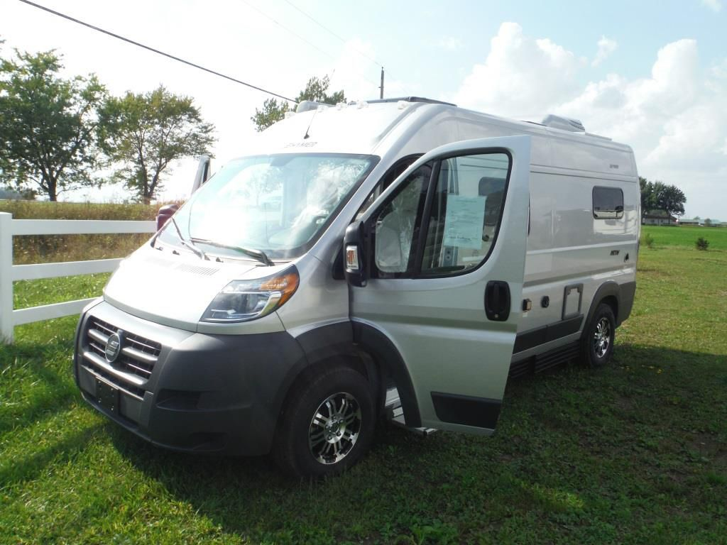 Frontal View of a 2018 HYMER ., Aktiv