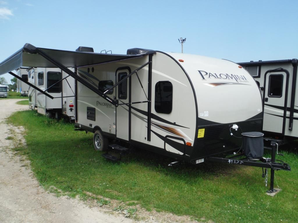 Frontal View of a 2018 PALOMINO PALOMINI, 177BH
