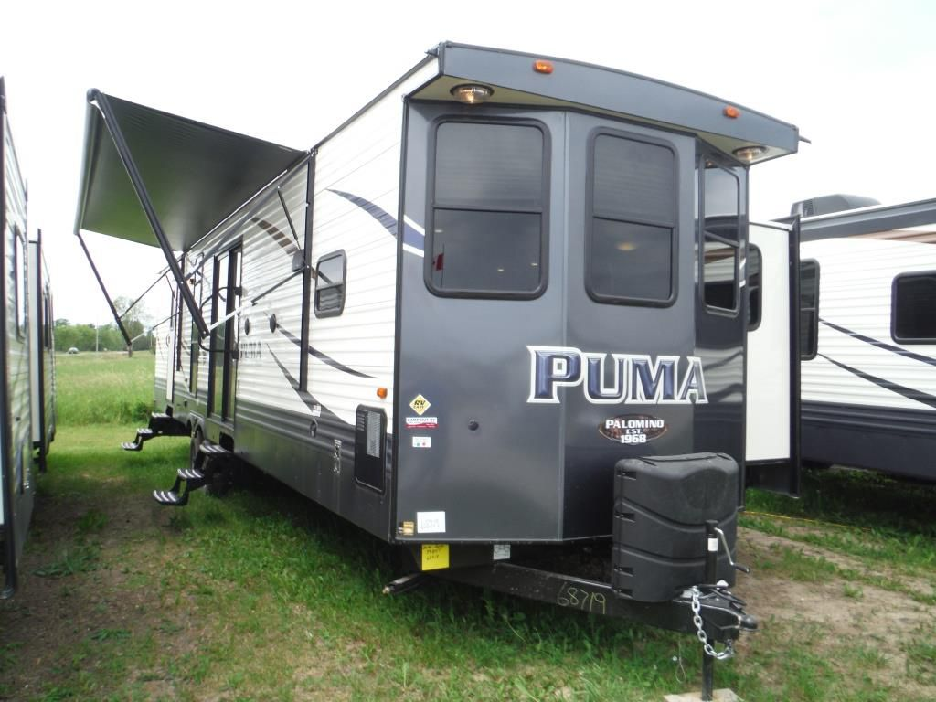 Frontal View of a 2018 PALOMINO Puma, 39BHT