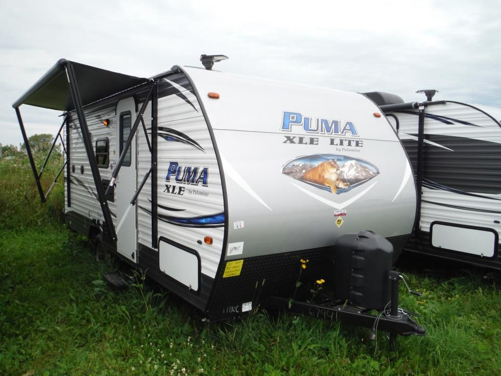 Frontal View of a 2018 PALOMINO Puma XLE, 17QBC
