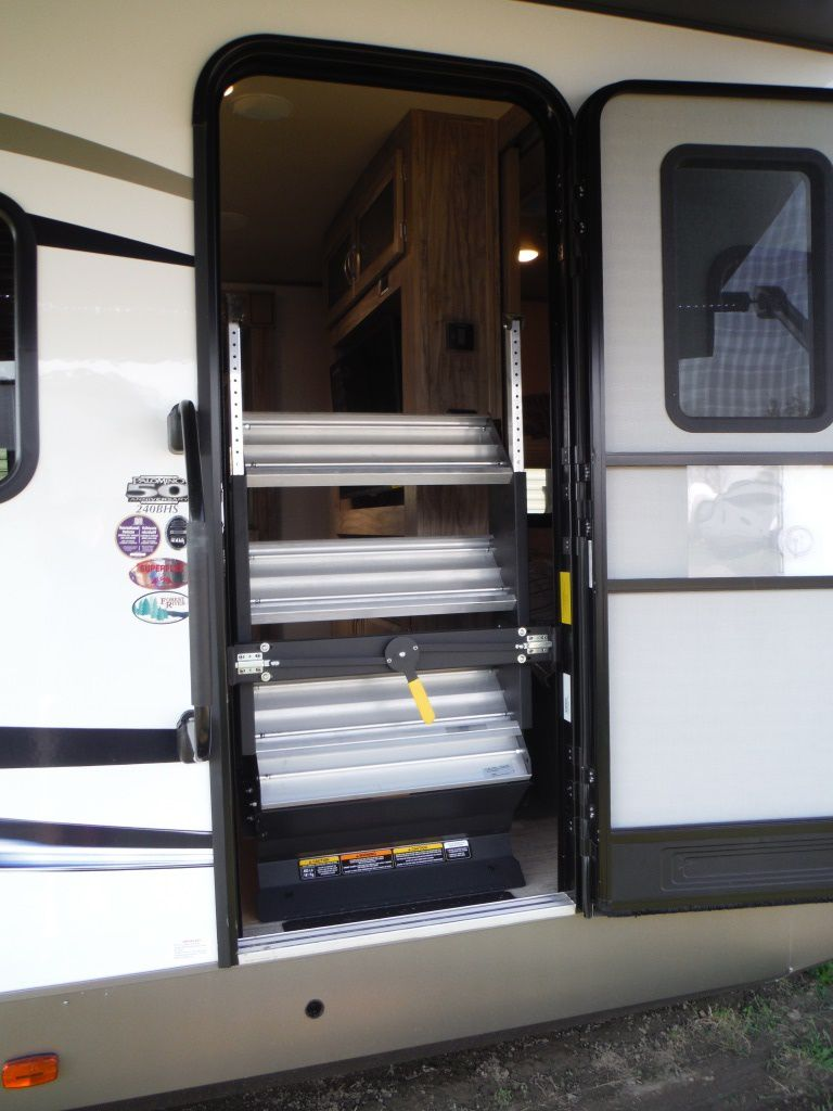 NEW 2019 PALOMINO SOLAIRE 240BHS TRAVEL TRAILER - Stratford