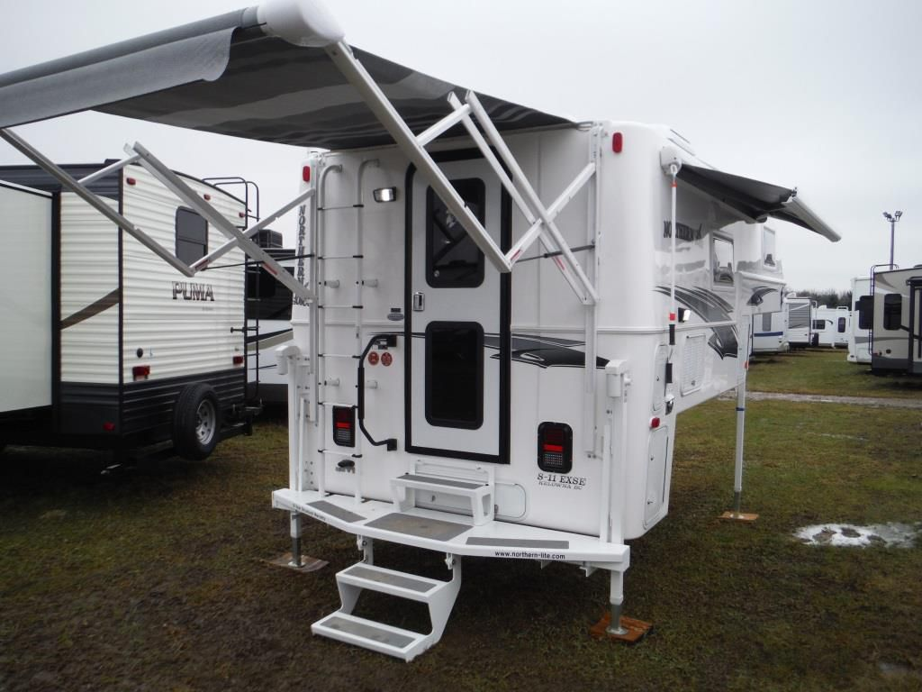 Frontal View of a 2019 NORTHERN LITE 8'11, SE Wet Bath