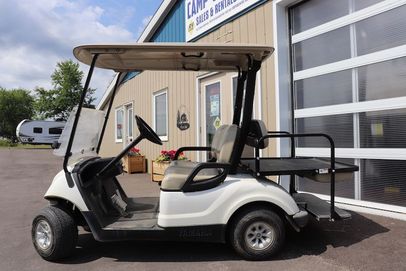 Frontal View of a 2012 GOLF CART Yamaha, YDRAX3
