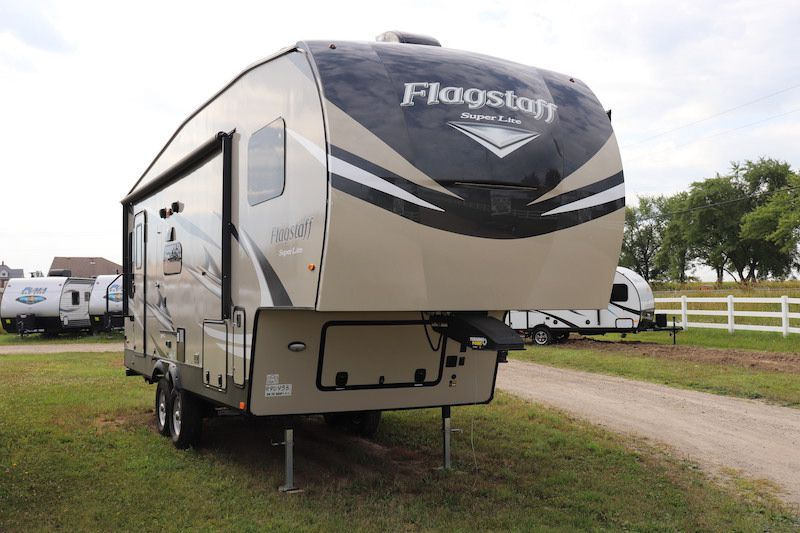 Frontal View of a 2020 FOREST RIVER Flagstaff, 524LWS