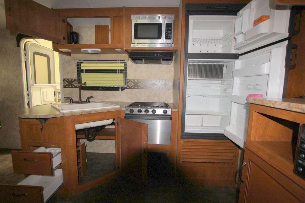 2012 KEYSTONE BULLET PREMIER ULTRA LITE 19FBPR - Image 10