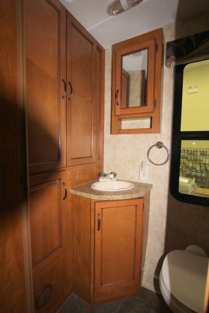 2012 KEYSTONE BULLET PREMIER ULTRA LITE 19FBPR - Image 13