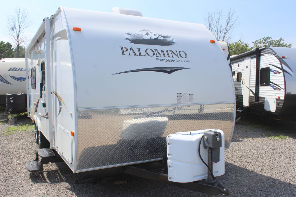 2011 FOREST RIVER PALOMINO STAMPEDE S-216