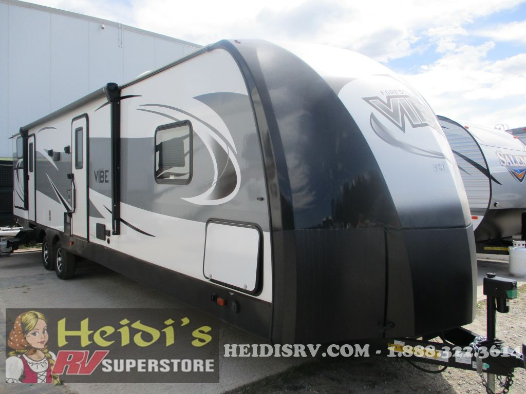 2019 VIBE FOREST RIVER 307BHS - BUNKS, OUTSIDE KITCHEN, 1 & 1/2 BATH