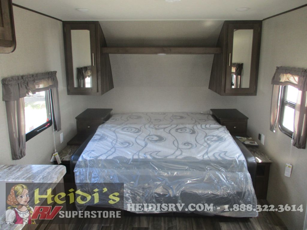 New 2020 Shasta Forest River 24bh Bunks Murphy Bed