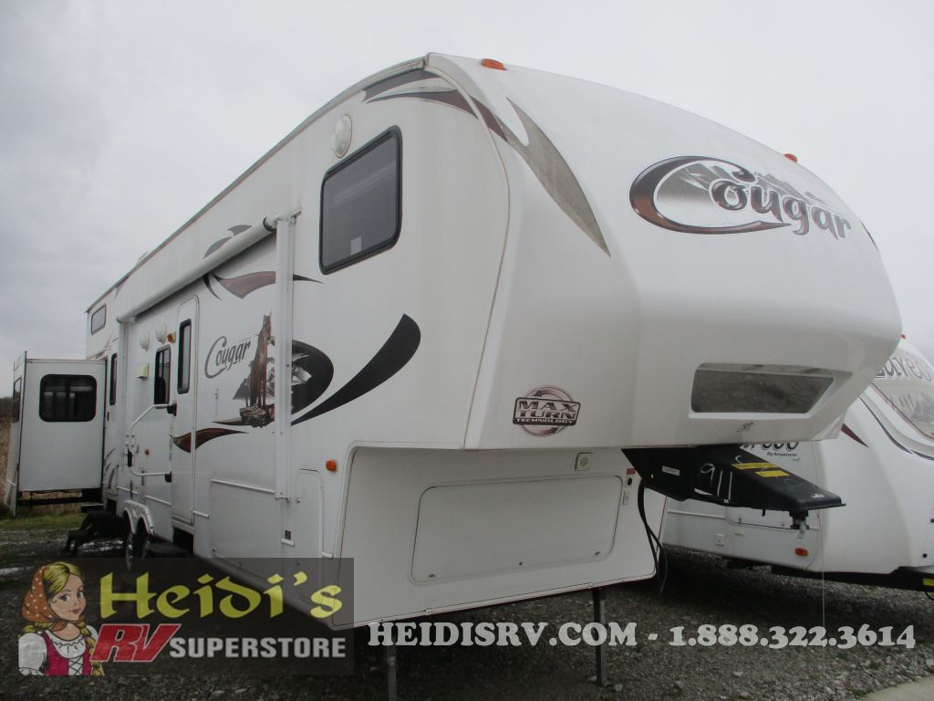 2011 COUGAR KEYSTONE 324RLB - LOFT, BUNKS, 1 + 1/2 BATH