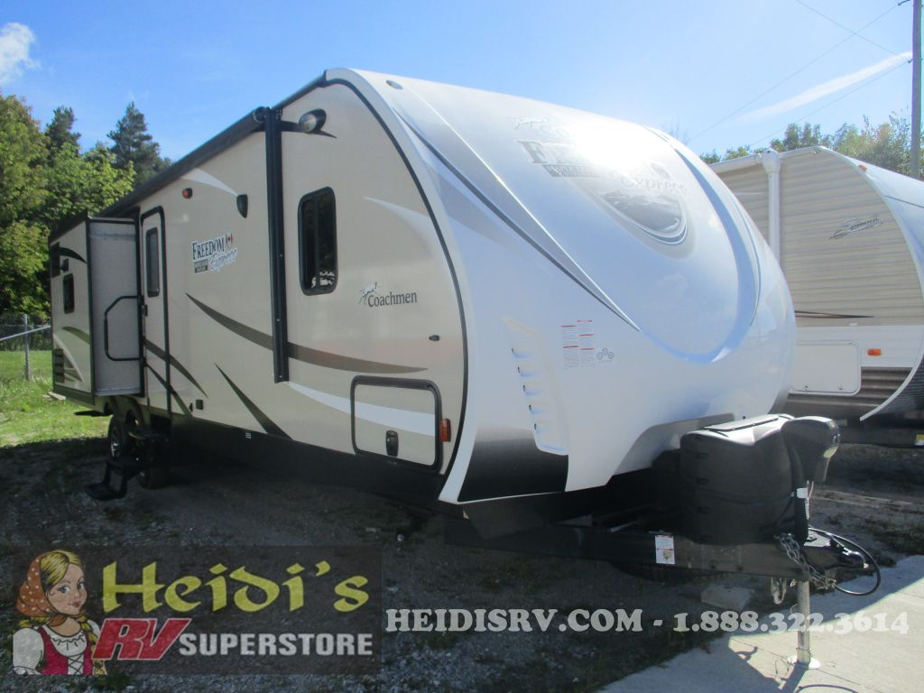 2017 COACHMEN FOREST RIVER FREEDOM EXPRESS 320BHDS - BUNKS, OUT. KIT, ISLAND