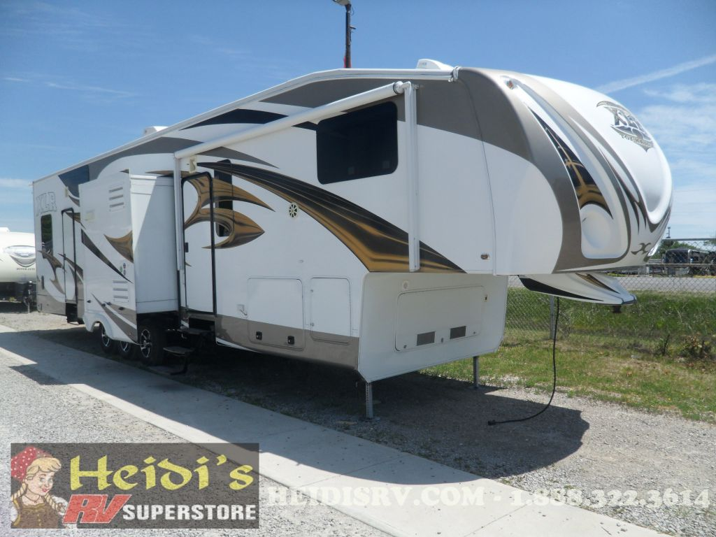2011 XLR TOYHAULERS FOREST RIVER 35X12 (FIFTH WHEEL)