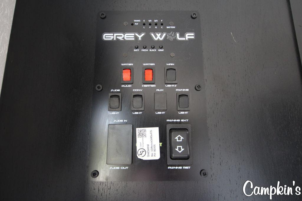 2022 FOREST RIVER CHEROKEE GREY WOLF 22RR