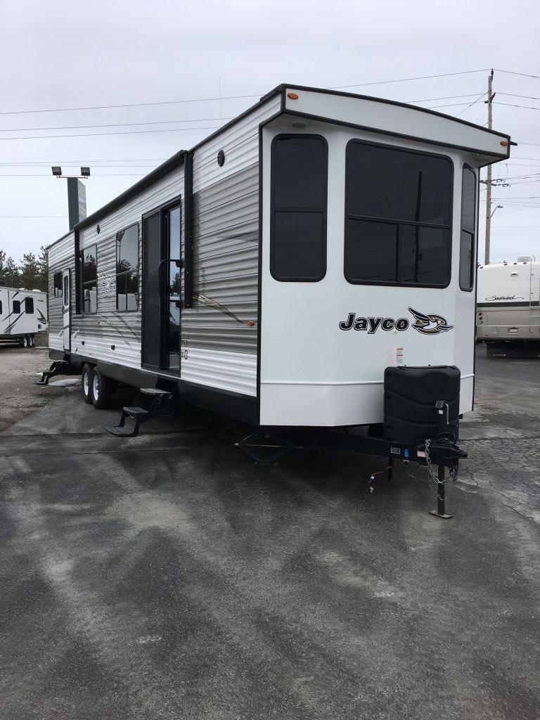 Vehicle Image - 2018 JAYCO JAYFLIGHT Bungalow 40 SFDS