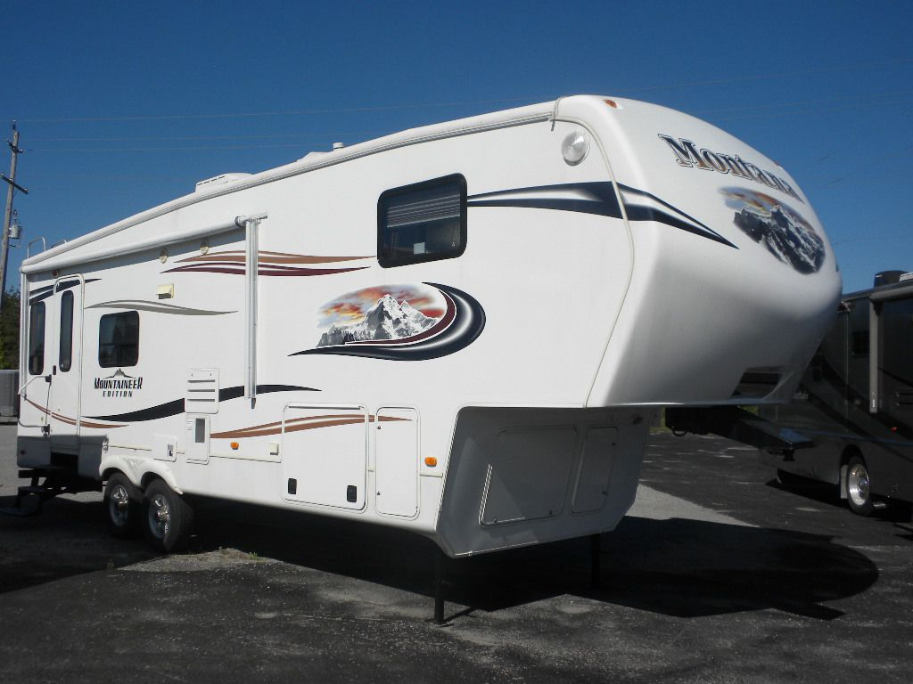 2013 KEYSTONE Mountaineer Edition 285RL