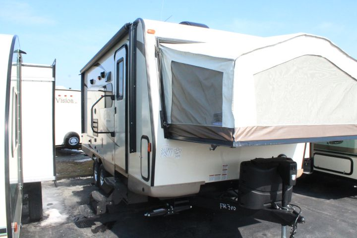 2016 FOREST RIVER ROCKWOOD ROO, 21SSR