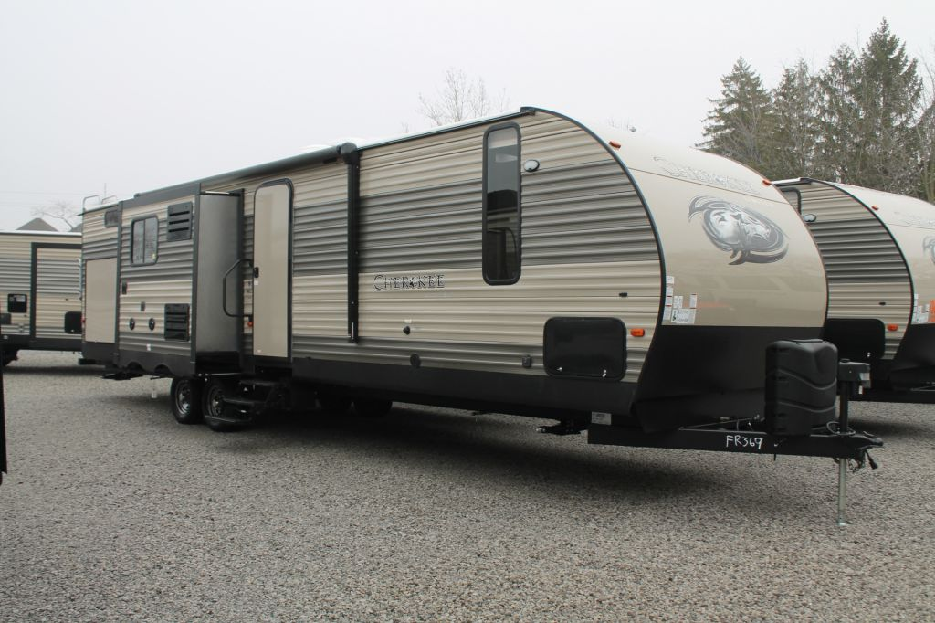 2017 FOREST RIVER CHEROKEE, 304BH