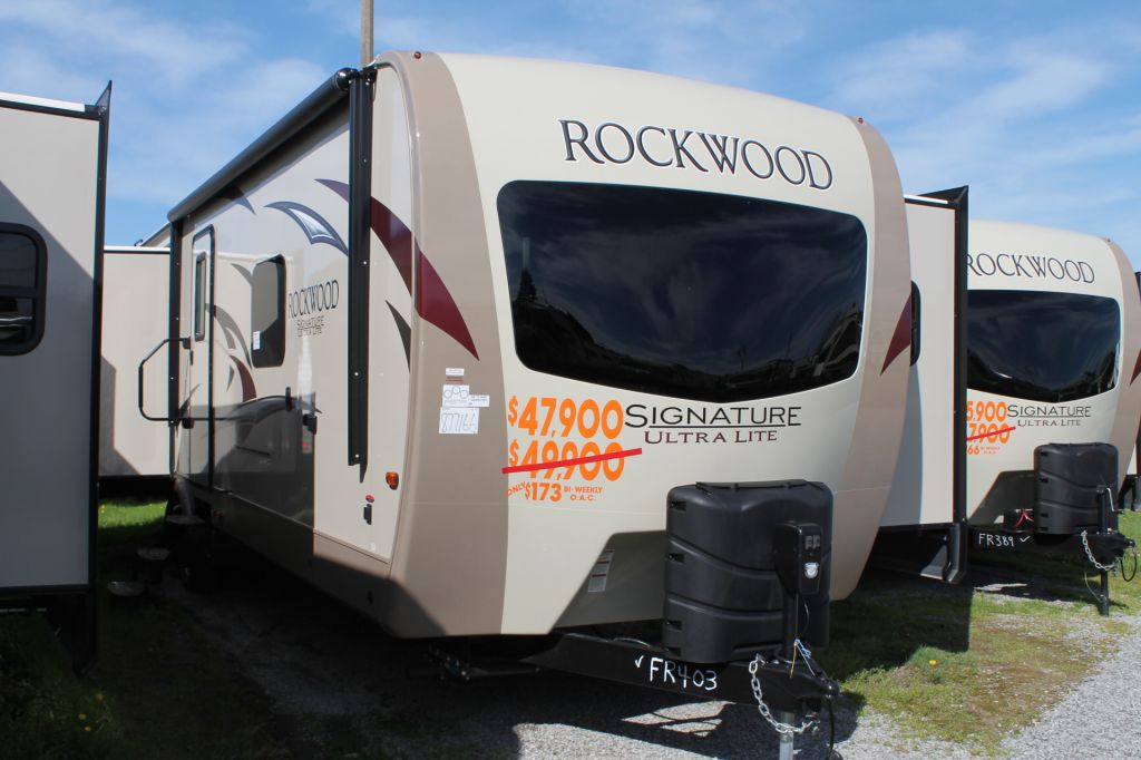 2017 FOREST RIVER ROCKWOOD 8329SS