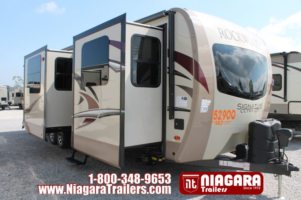 2018 FOREST RIVER ROCKWOOD SIGNATURE ULTRA LITE 8324BS