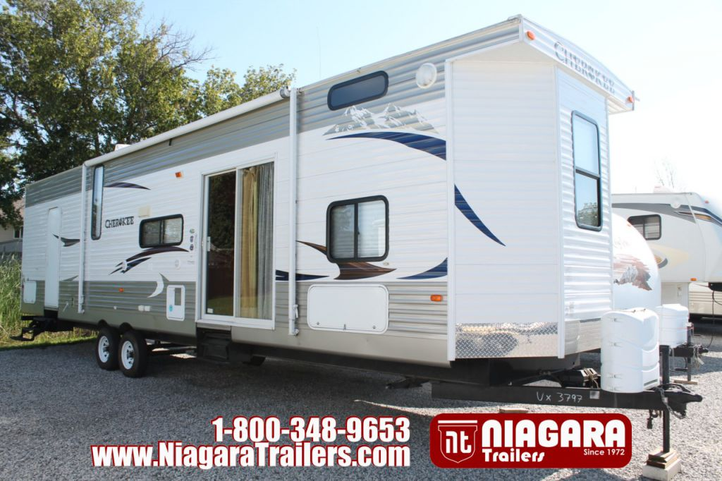 2011 FOREST RIVER CHEROKEE, 39P