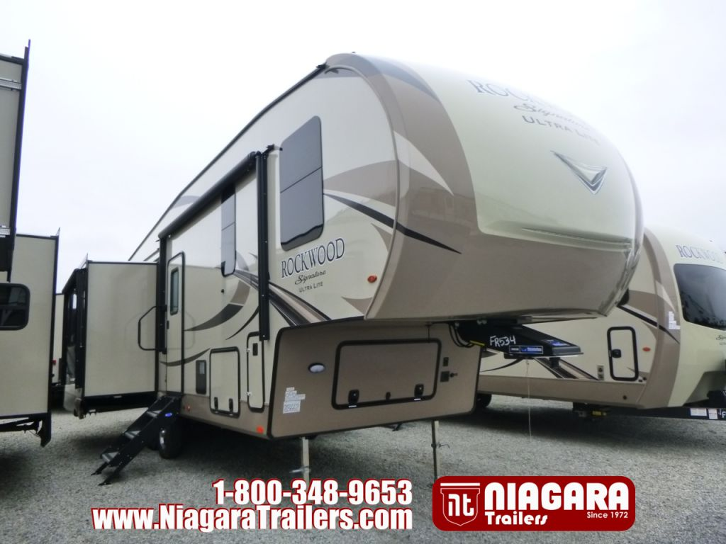 2018 FOREST RIVER ROCKWOOD SIGNATURE ULTRA LITE, 8299BS