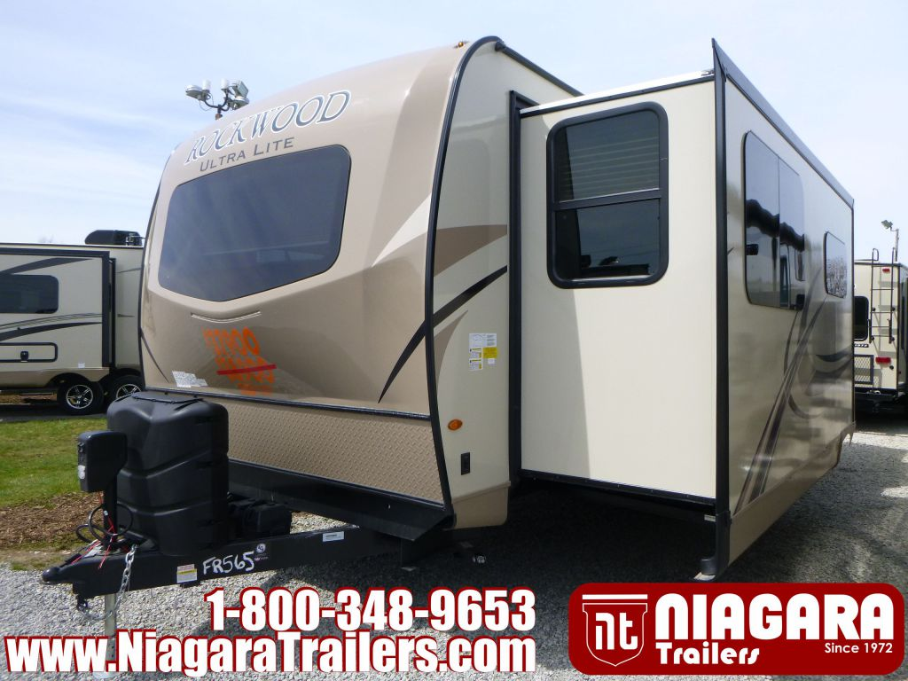 2019 FOREST RIVER ROCKWOOD ULTRA LITE, RLT2608SB