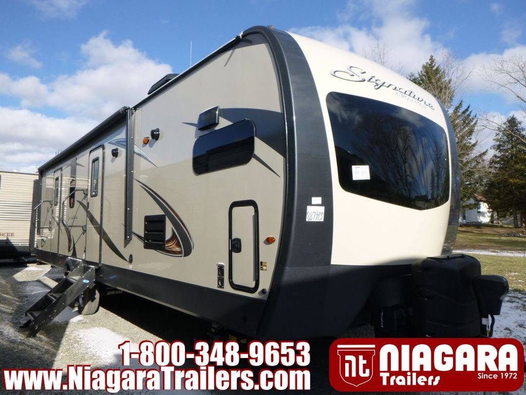 2019 FOREST RIVER ROCKWOOD SIGNATURE ULTRA LITE, 8335BSS