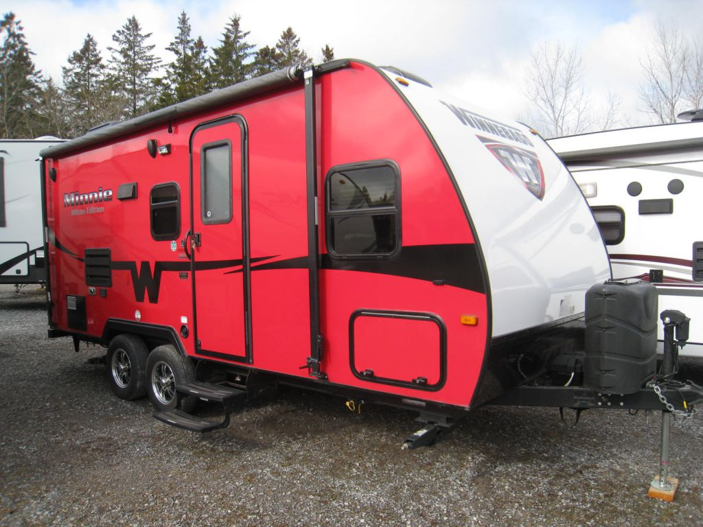 2014 WINNEBAGO MINNIE 2101DS