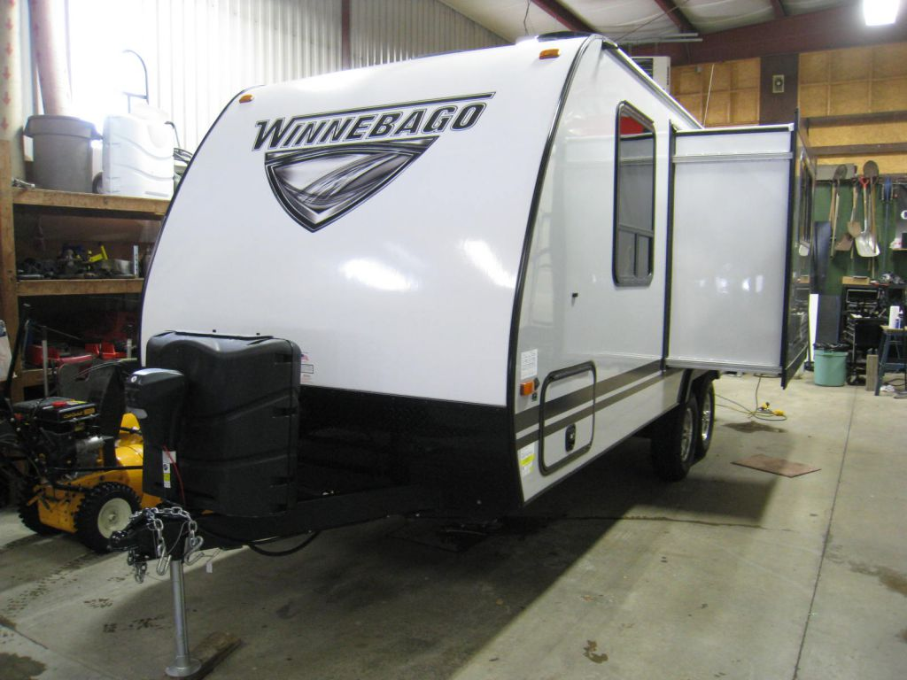 2019 WINNEBAGO MICRO MINNIE 2108FBS - VOS Trailers
