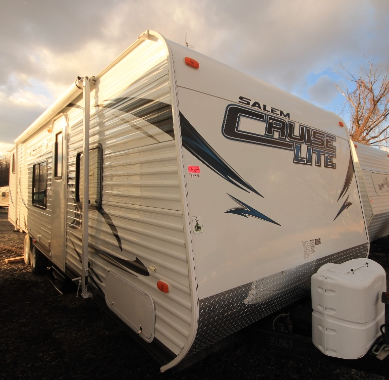 2013 FOREST RIVER 281QB