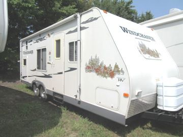 2008 GREAT LAKES RV WINDCHASER 240 BH