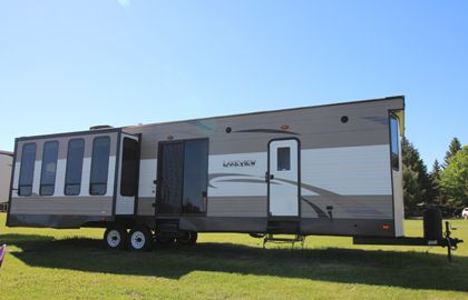2017 HEARTLAND LAKEVIEW 340 RL