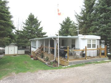 2004 CANADIAN COUNTRY COTTAGE 39 T