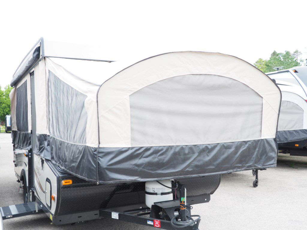 2018 COACHMEN CLIPPER 125ST (W/ HOT WATER)