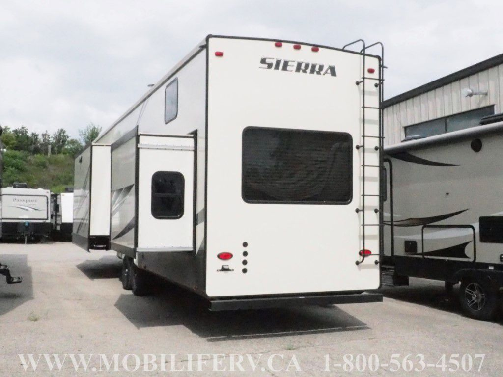 2019 FOREST RIVER SIERRA 399LOFT - Mobilife RV Centre