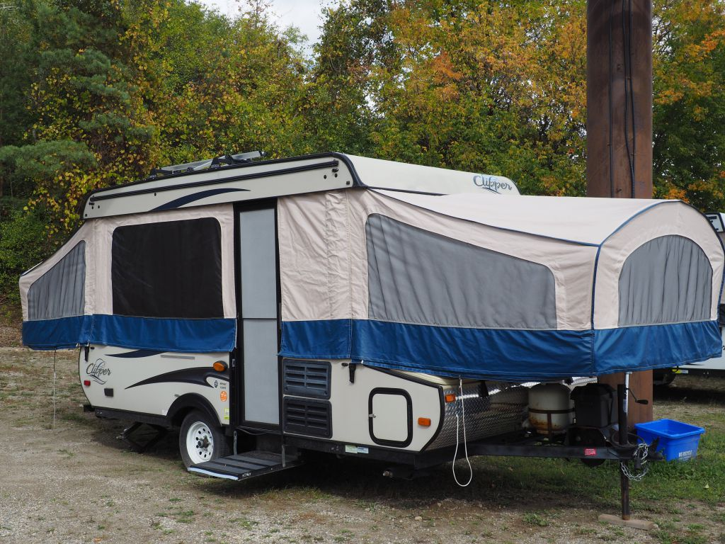 2013 COACHMEN CLIPPER 128ST