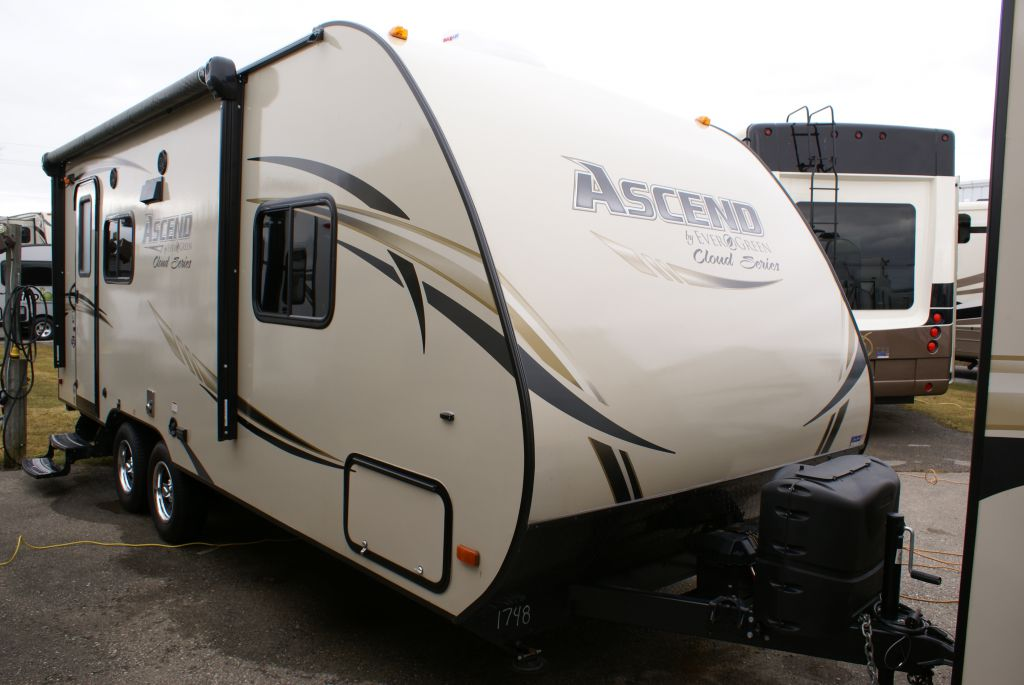 Frontal View of a 2015 EVERGREEN Ascend Cloud, 183RB