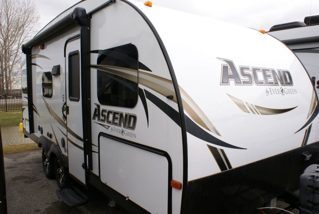 Frontal View of a 2015 EVERGREEN Ascend, A181BH