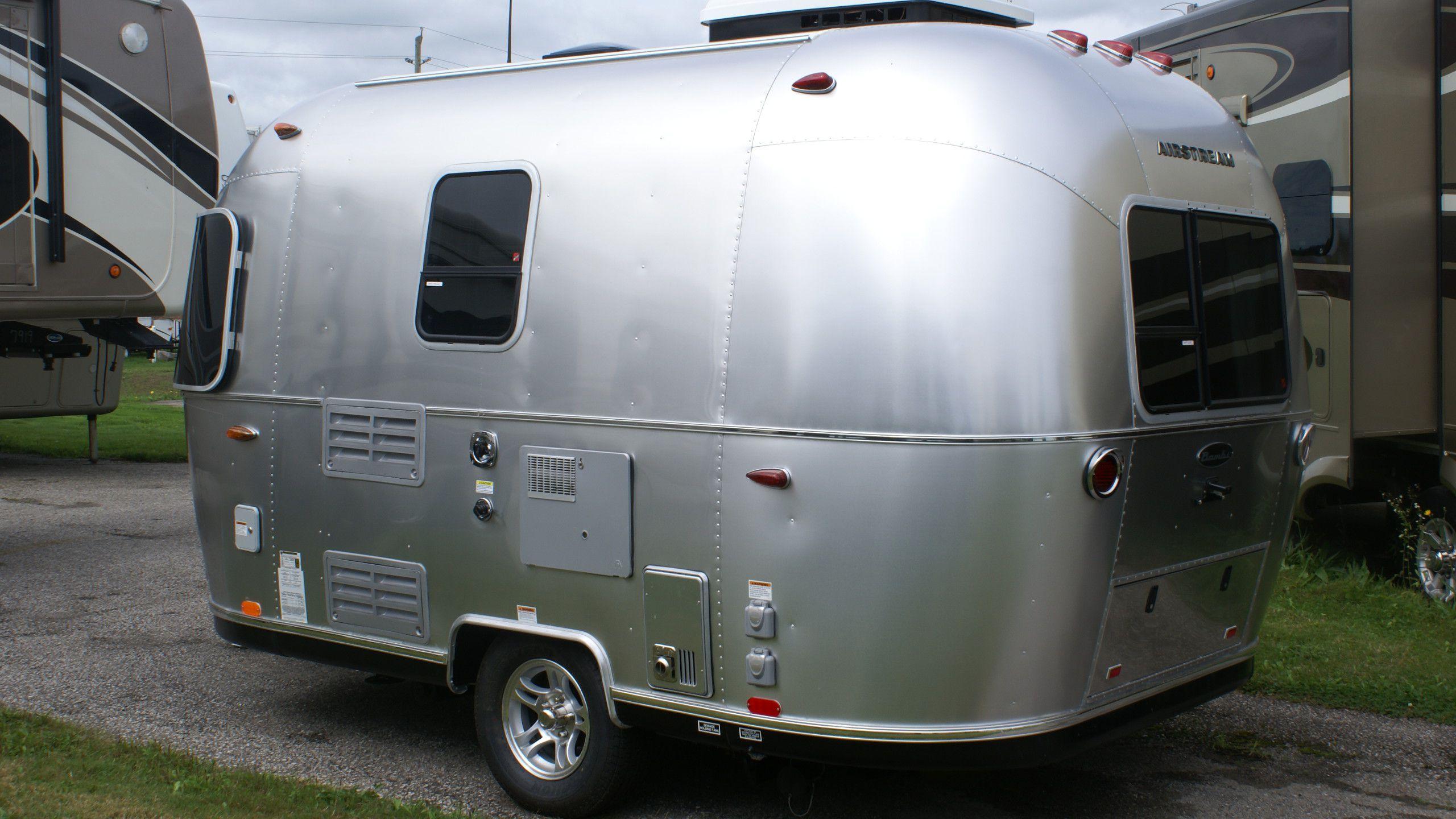 sport travel trailers can am rv centre. Black Bedroom Furniture Sets. Home Design Ideas